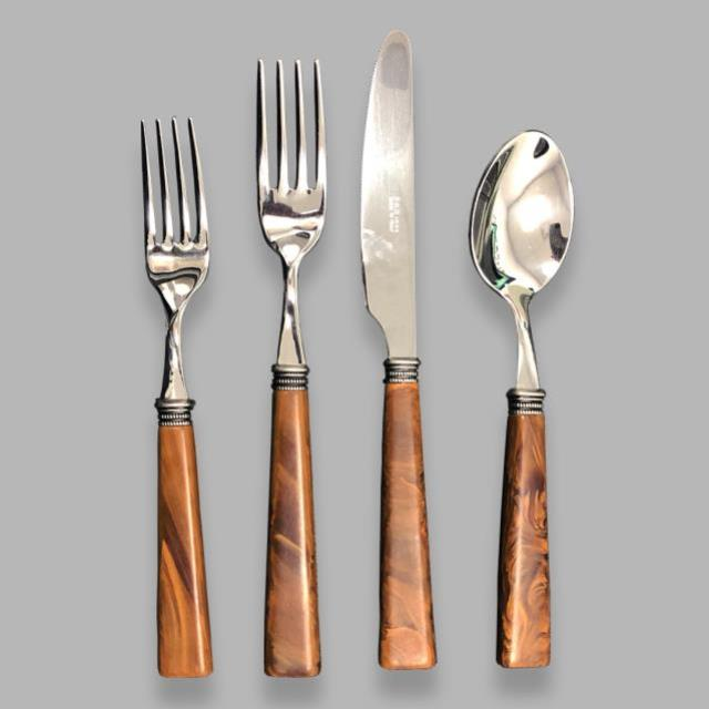 Where to find TYSON WOOD FLATWARE in Columbia